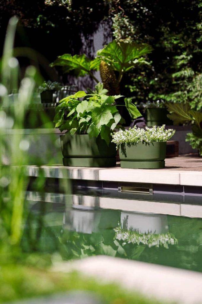 Impressie Elho greenville plantenbak trough en bloempot